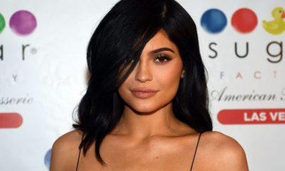 Kylie Jenner με φουσκωμένη κοιλίτσα!