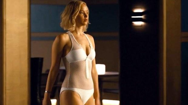 H Jennifer Lawrence μιλά για πρώτη φορά για τις γυμνές φωτογραφίες της που δημοσίευσαν χάκερς το 2014 και το πόσο συντετριμμένη ένιωσε