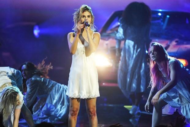Selena Gomez: Τραγούδησε playback στα Αμερικανικά Μουσικά Βραβεία;