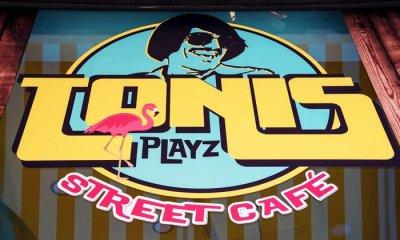 Τόνι Σφήνος: Δείτε το νέο πολύχρωμο καφέ που άνοιξε στην Αθήνα