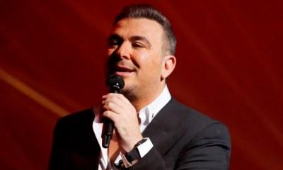 Αντώνης Ρέμος συζητά για τη δική του εκπομπή στην τηλεόραση