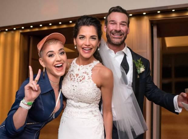 Όταν οι celebrities κάνουν ντου σε γάμους