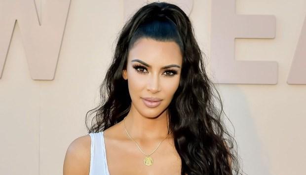 Kim Kardashian κατηγορείται ότι έκλεψε το λογότυπο