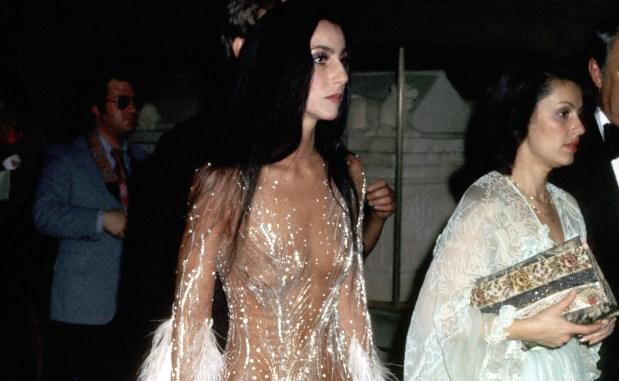 Dua Lipa με το φόρεμα της Cher