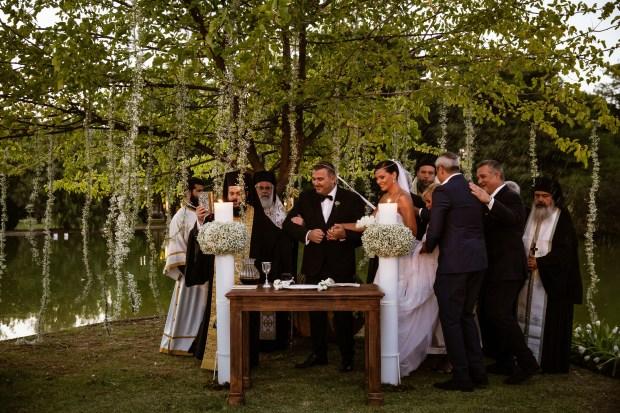 γάμο του Αντώνη Ρέμου και της Υβόννης Μπόσνιακ