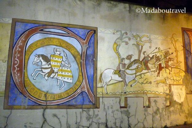 Mural pseudo-gótico de vuelta a Carcassonne
