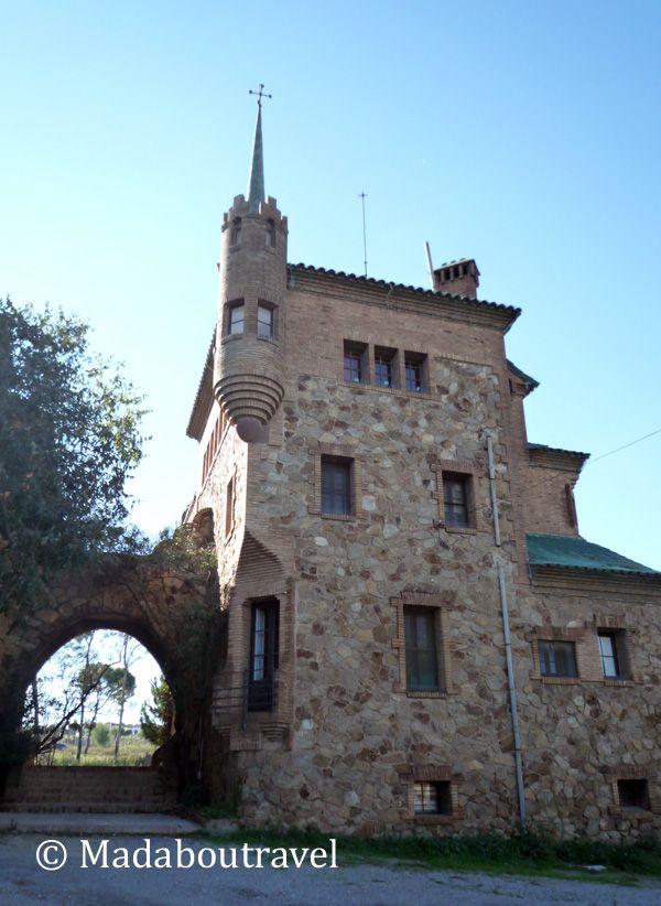 Escuela y casa del maestro de la Colonia Güell