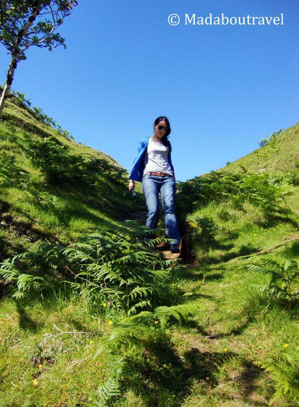 Explorando el Fairy Glen de la Isla de Skye, Escocia