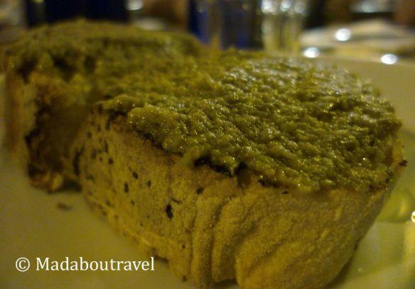 Bruschetta de Olivada en el ristorante Sette Oche in Altalena, Roma