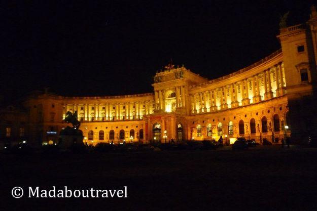 El Hofburg iluminado