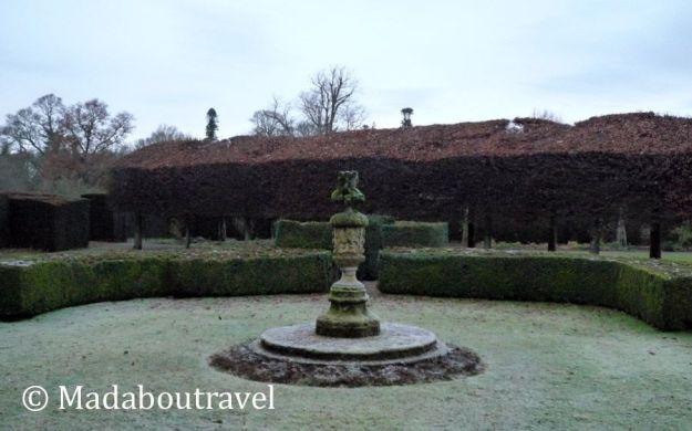Reloj de sol en los jardines del castillo de Glamis