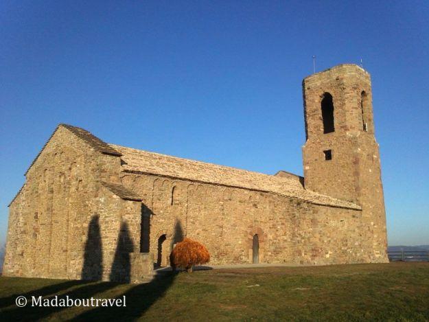 Iglesia de Sant Andreu del castillo de Tona