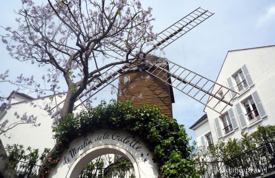 Le Moulin de la Galette en Montmartre, París