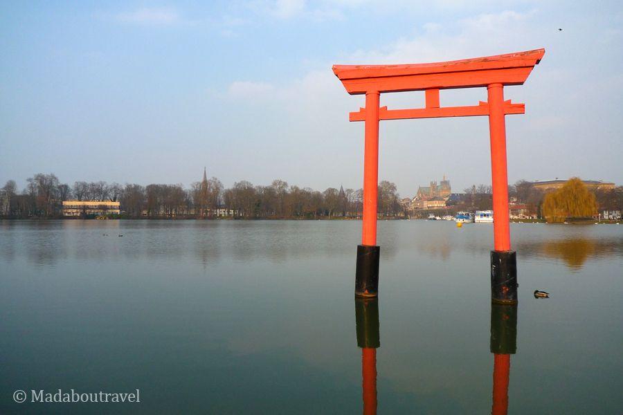 Puerta japonesa de Metz
