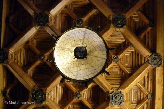 Lámpara en el vestíbulo del Palau Güell