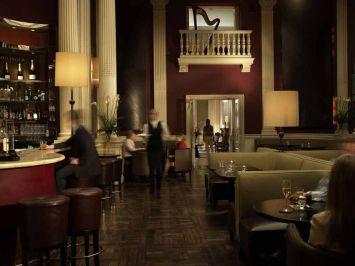 El hotel más conocido de la ciudad, el Hotel Balmoral