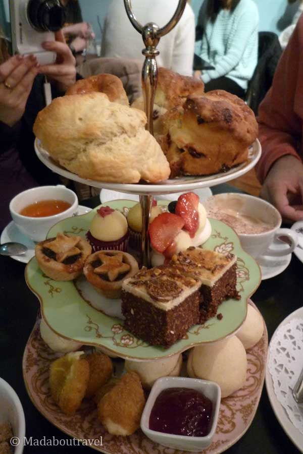 Bandeja de pasteles en Mimi's Bakehouse en Edimburgo