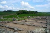 Restos de barracones en el Muro de Adriano