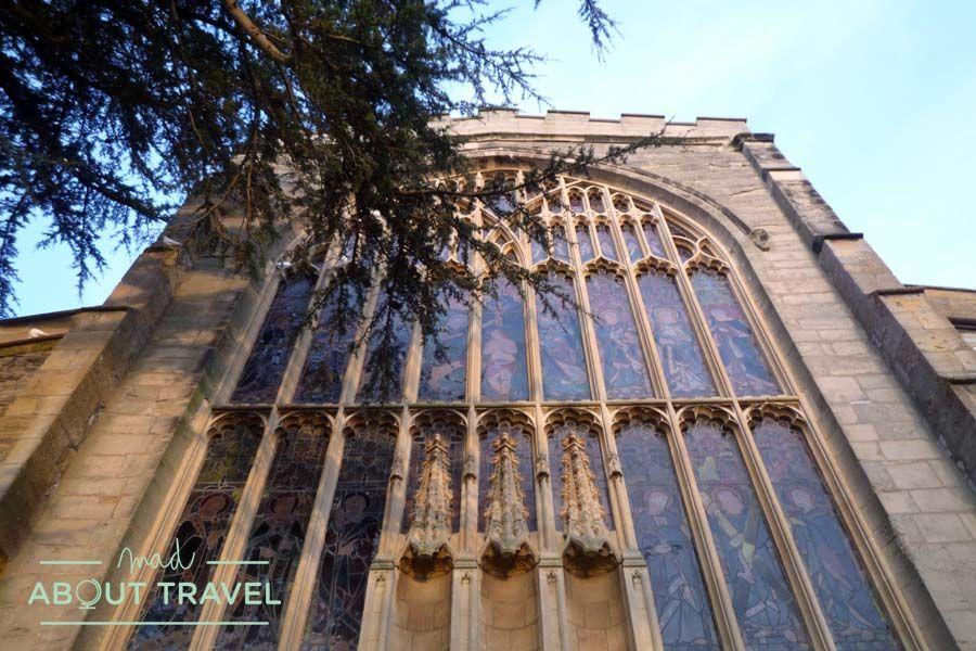 Puerta de la Iglesia de la Santísima Trinidad de Stratford