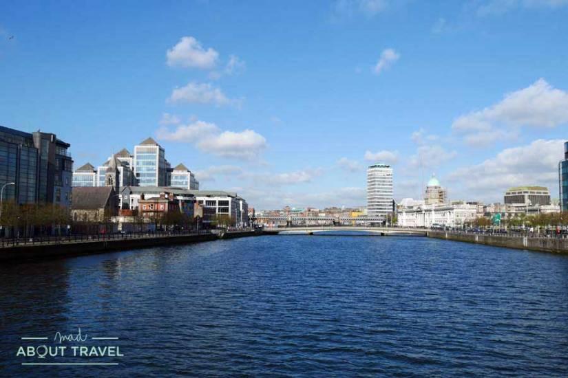 Río Liffey en Dublín