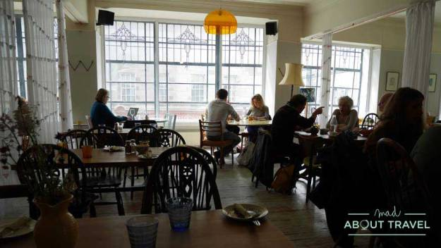 Brunch en Edimburgo, Spoon