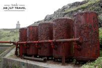 Depósitos de aire para hacer funcionar las sirenas de niebla de la Isla de May en Escocia