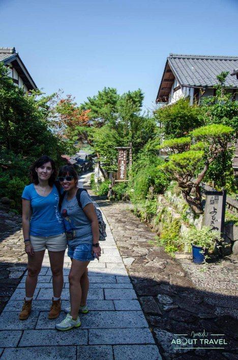 Con Giovis en Magome, ruta del Nakasendo, Japón