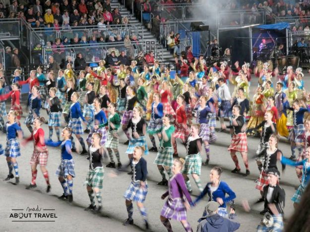 Baile escocés en el Military Tattoo de Edimburgo