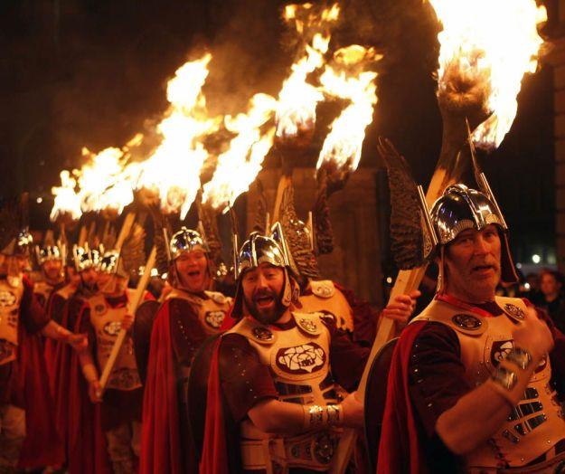 procesión de antorchas edimburgo horgmanay
