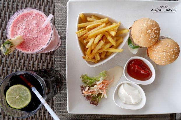 restaurante latitude en el resort coco bodu hithi de maldivas