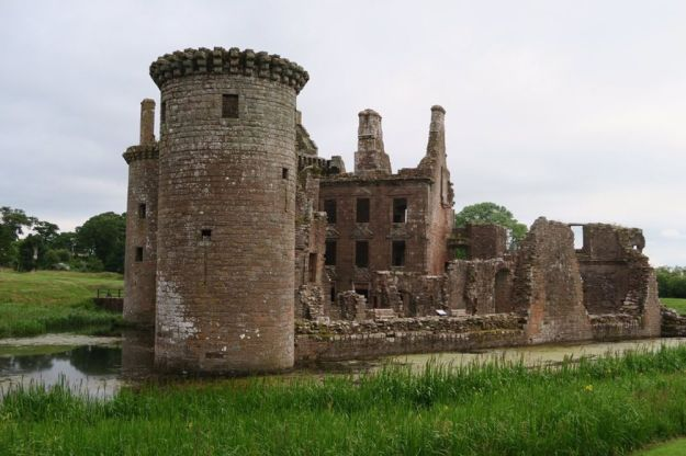 castillo de caerlaverock, escocia