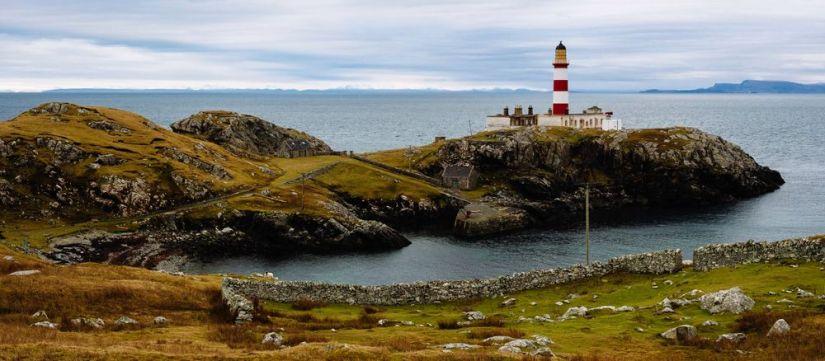 faro de eilean glas en la isla de Scalpay, isla de lewis