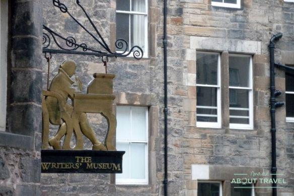 que ver en Edimburgo: museo de los escritores