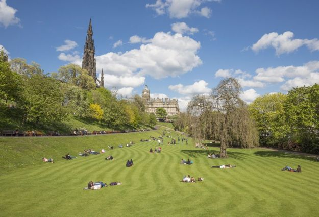 que hacer en Edimburgo gratis: jardines Princes Gardens