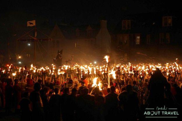 Up Helly Aa, festival vikingo en el norte de Escocia, Shetland