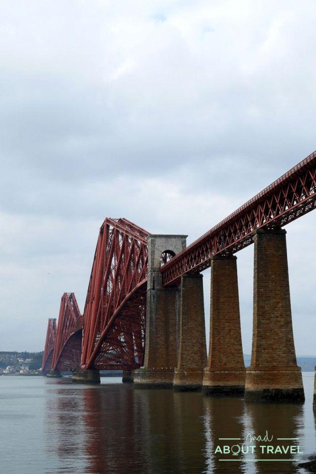 puente del ferrocarril sobre el firth of forth en south queensferry