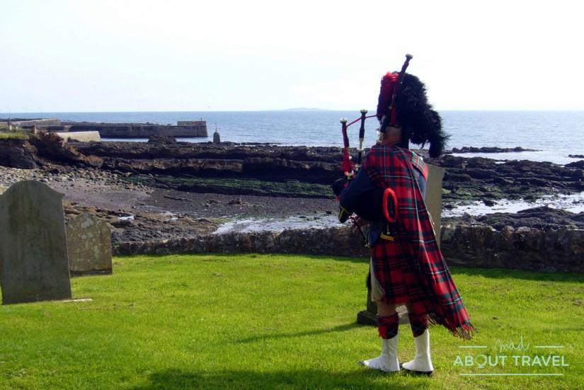 gaitero en una boda escocesa en St Monans