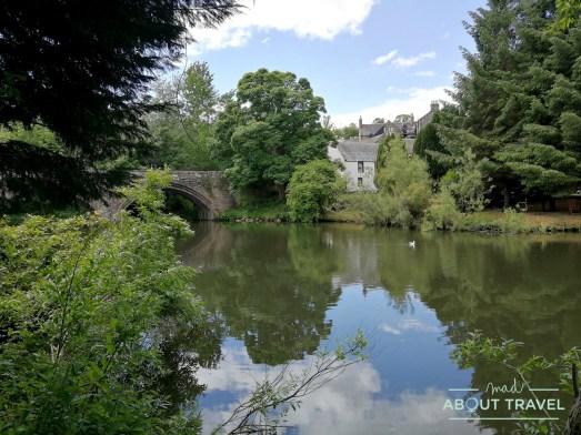 Paseo junto al río Almond en Edimburgo