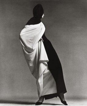 jean-shrimpton-toga-by-forquet-auguast-1965-paris