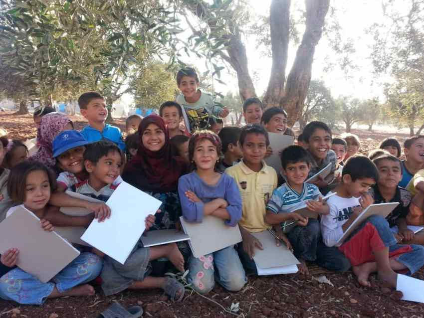 Inspiring-story-of-a-school-Under-the-tree-Founded-by-Ghaida-Hussein_Syria_for-Refugee-Kids_Save-The-Children_MadameSuccess.com