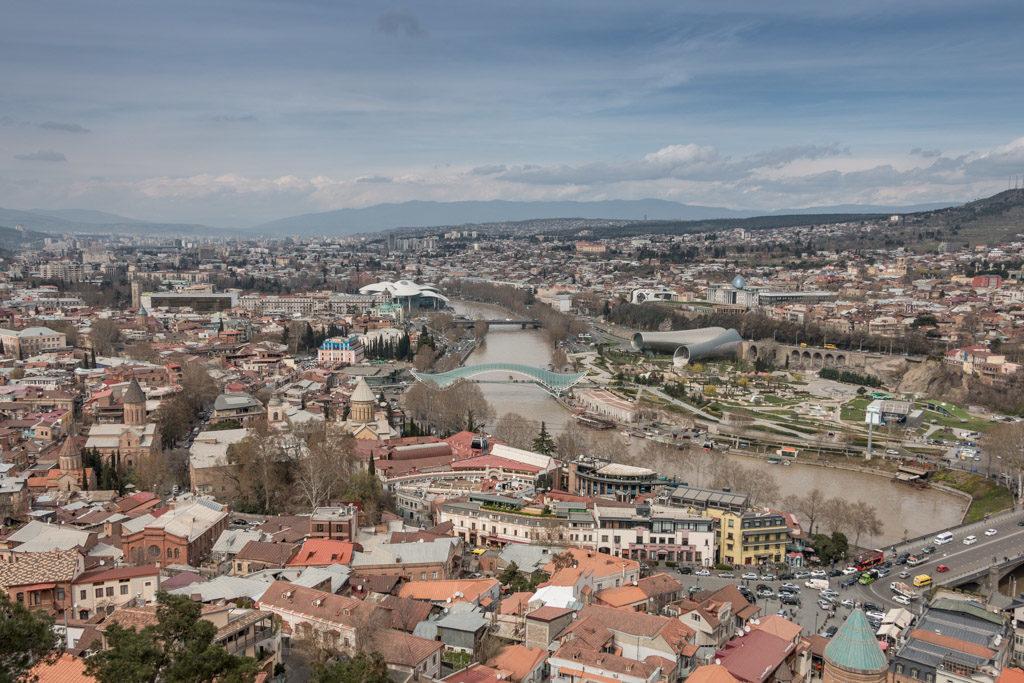 Vue d'ensemble de la capitale de la Géorgie, Tbilissi