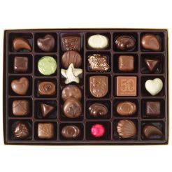 Godiva-Assorted-Chocolates-Gold-Holiday-Gift-Box-36-Pieces-root-13052_13052_1470_2.jpg_Source_Image