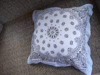 Bandana Pillow Projects   Familia KiKi