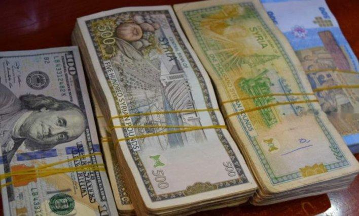 السورية والدولار مواقع التواصل 1 - ارتفاع قياسي للدولار مقابل الليرة التركية وهذه أسعار الليرة السورية - Mada Post