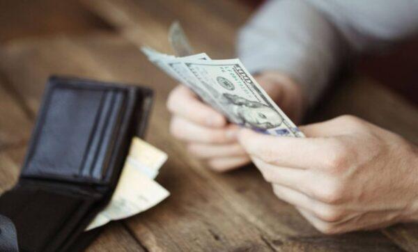 الليرة السورية 25 10 2020  600x362 - أسعار الصرف مقابل الليرة السورية والتركية 25 10 2020 - Mada Post