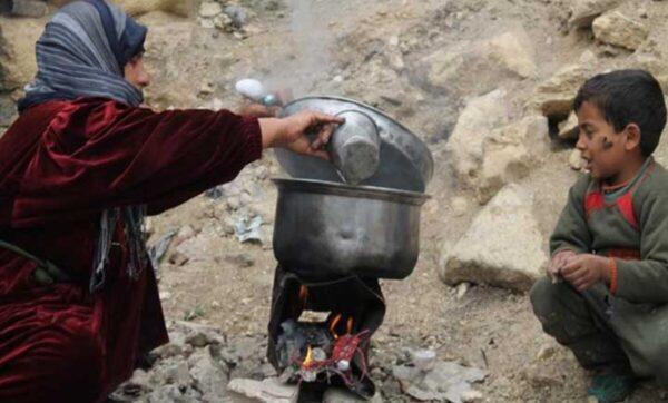 تحت خط الفقر سوريا مواقع التواصل 1 600x362 - الإعلام الموالي: الشعب كل ماله عم يزنكل في سوريا (فيديو) Mada Post