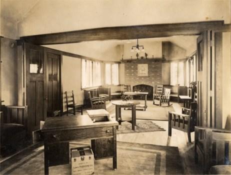 Jeffress Chapter house interior