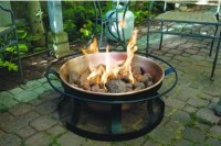 Outdoor Fire Pits: The Pros and Cons | Living in Style