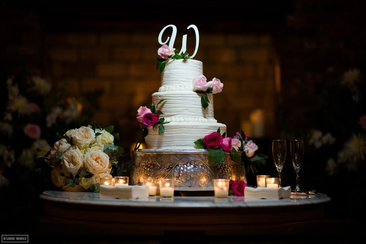 heartwood hall cake reception the barn