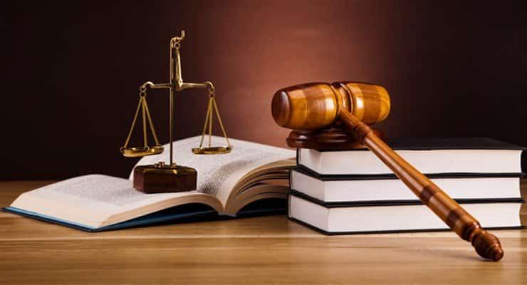 Teks Eksposisi Tentang Hukum